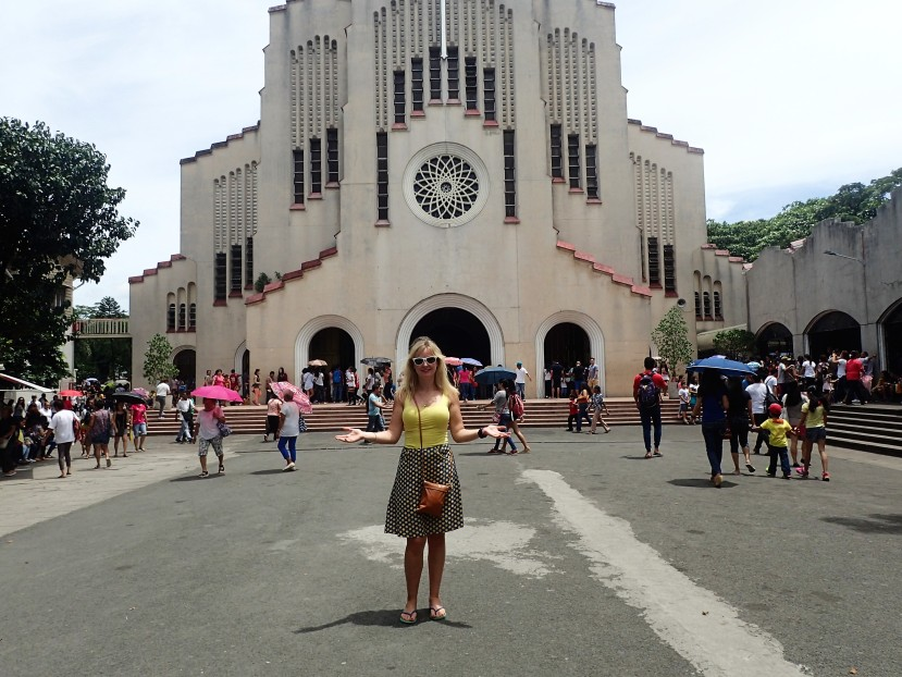 Church Hopping in Manila!