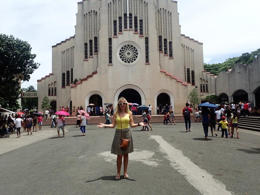 Church Hopping inManila!